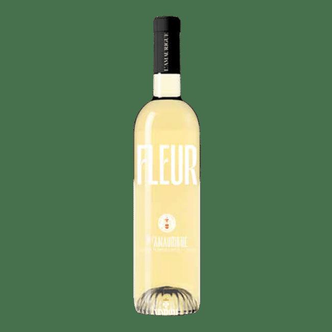 Fleur de l'Amaurique, White, AOP, Rolle De Fleur de l'Amaurique White is een speciale Bourgogne stijl cuvée van Rolle (Vermentino), gemaakt van een selectie van ca. 15 jaar oude wijnstokken is met de hand geoogst. Dit resulteert in een super aromatische witte wijn. Hints van honing en peer in de neus onthullen een aangename rijpheid in de wijnoogst. In de mond begint het met perzik- en ananasaroma's, daarna hints van vanille en licht geroosterde smaken. Deze Fleur de l'Amaurique White ongelooflijke vet en de lange smaak in de mond zijn het resultaat van vatrijping op fijne droesem. Korte maceratie op de schil die zorgt voor een betere extractie van de verschillende aroma's van de druivenrassen, gevolgd door langzame persing bij lage druk om alleen de beste sappen te extraheren. De alcoholische gisting vindt plaats op Barrique, Frans eikenhouten vaten. De wijn rijpt vervolgens zes maanden op fijne droesem in dezelfde vaten, wat hem een verrassende complexiteit geeft met licht geroosterde aroma's. De Fleur de l'Amaurique zijn échte Provence wijnen, maar heeft ook een oer Hollands karakter. Het Domaine de l'Amaurigue is sinds 1998 eigendom van de Nederlandse familie De Groot; Dick en Eugénie en hun twee kinderen, Melvin en Fleur (waarschijnlijk drie keer raden waar de naam van deze wijn vandaan komt…) Super als aperitief, deze Fleur White past ook goed bij een visschotel, kip of een romige kaas. Niet te koud schenken: 12°C is perfect! Producent: Domaine de L'Amaurigue Druivenras: Rolle (Vermentino) Regio / Streek: Provence Land: Frankrijk Oogst: 2020 Sluiting: Schroefdop Serveertemperatuur: 10°C – 12°C Alcoholpercentage: 12,5% Inhoud: 0,75